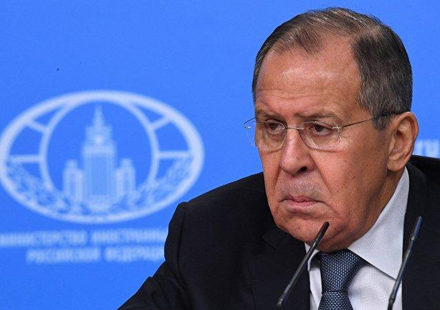 俄外长:俄比任何人都希望斯克里帕利中毒案得以破获