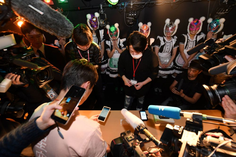 """日本的""""虚拟货币女孩""""偶像团体"""