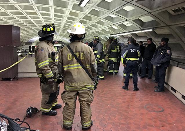 美國華盛頓地鐵發生列車脫軌事故