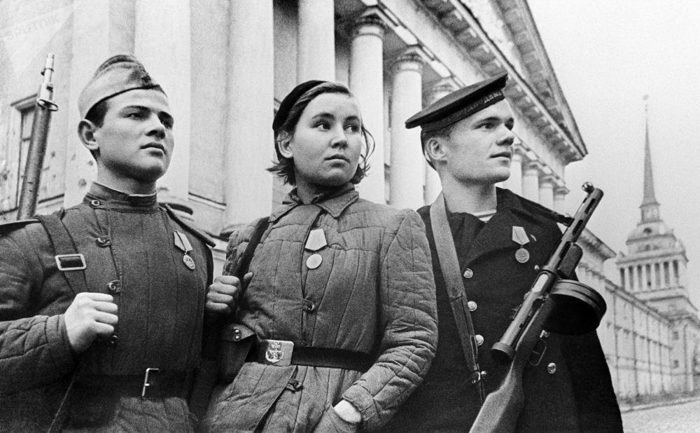 封锁期间列宁格勒的保卫者