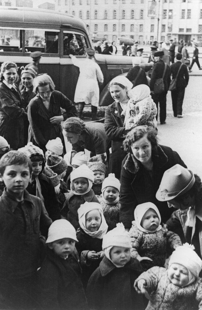 将儿童从列宁格勒疏散