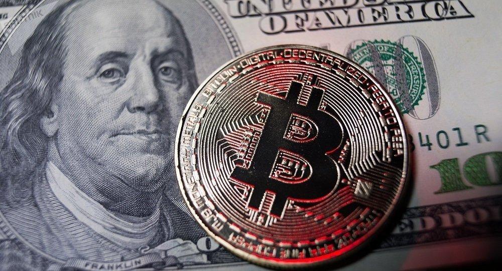 比特币的价值自去年8月以来首次达到1.2万美元