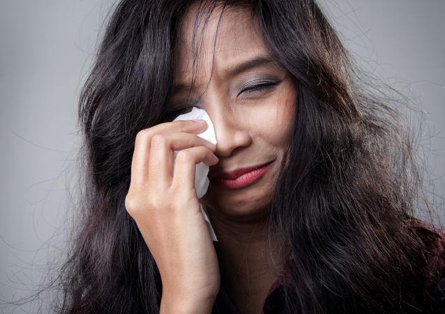 暖心服务:日本女性花钱请帅哥陪哭