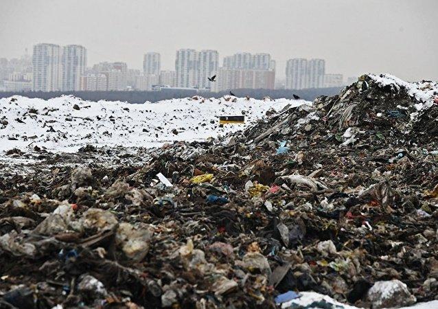 俄紧急情况部:莫斯科郊区库奇诺垃圾填埋场出现硫化氢浓度超标情况
