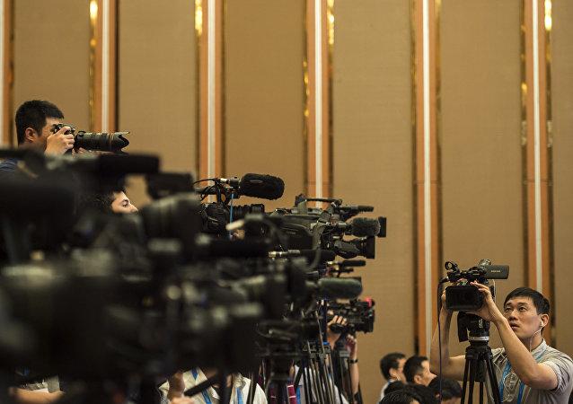 中国专家:美国外国代理人计划不明智