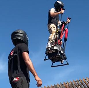 法國Zapata公司對飛行平衡車進行了測試