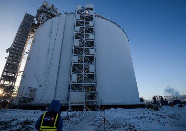 正在建设中的液化天然气生产工厂贮藏器(亚马尔)
