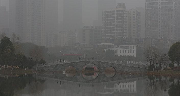 中国北方积极与雾霾作斗争