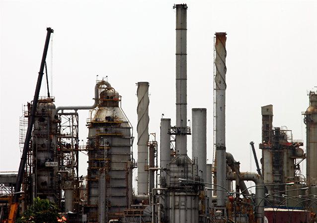 委内瑞拉炼油厂(资料图片)