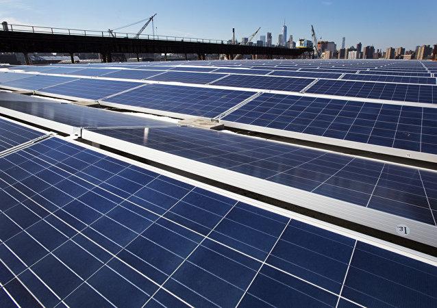媒体:对太阳能板征税令美国太阳能领域损失25亿美元