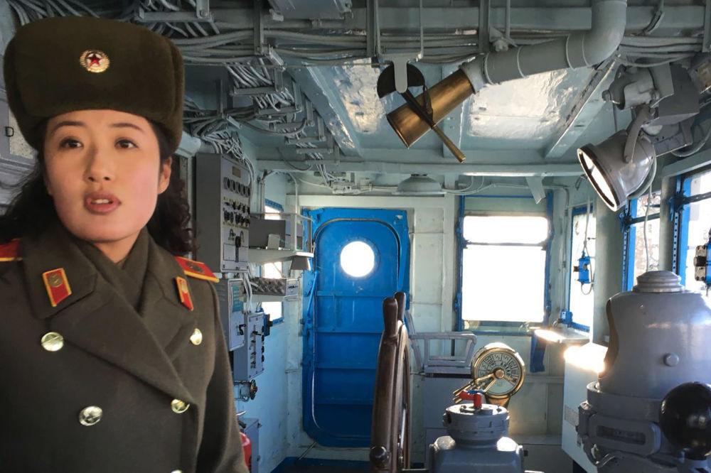 """美国海军史上最耻辱和不快的事件莫过于""""普韦布洛""""号事件。"""