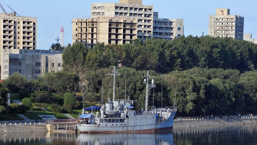 船上有大量侦察设备。