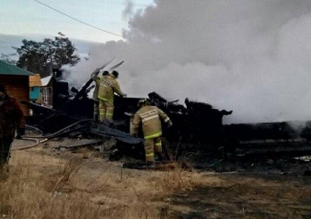 奥尔洪区胡日尔村旅游营地发生火灾