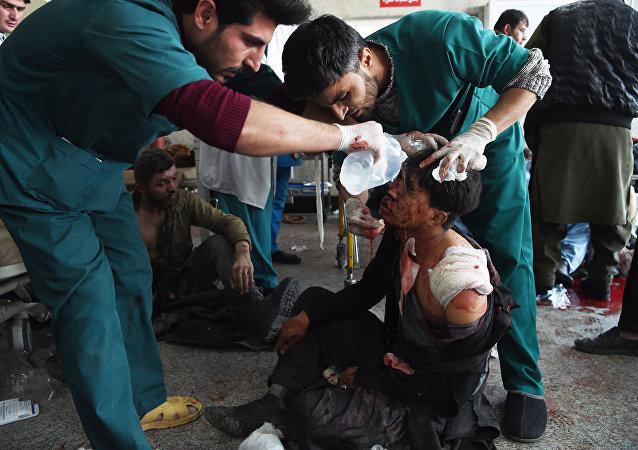喀布尔市中心恐袭致死人数达103人 235人受伤