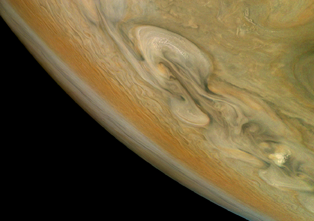 美国航空航天局公开木星风暴图片