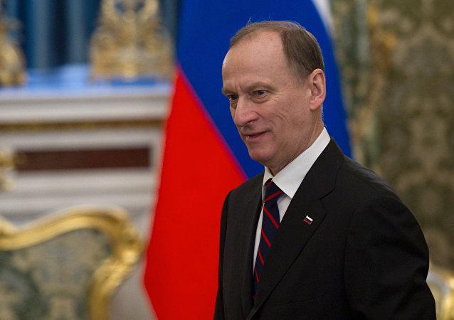 俄安全委员会秘书向安哥拉总统转达普京提出的访俄邀请