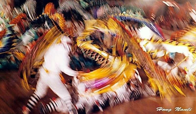 """""""龙舞""""摄于1993年。此照片获美国"""