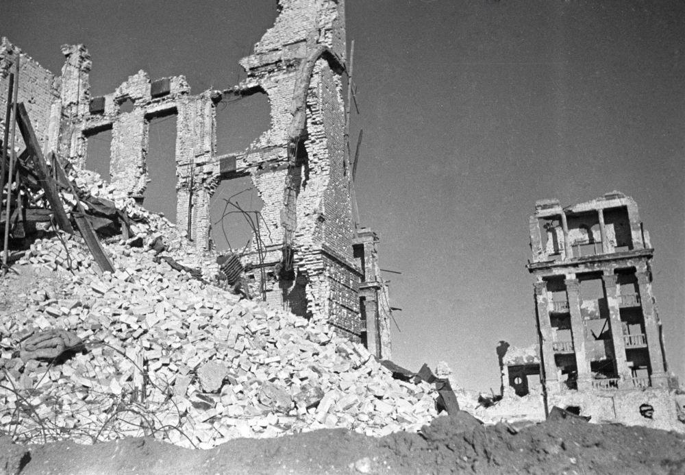 斯大林格勒巷战中被摧毁的建筑,1942年