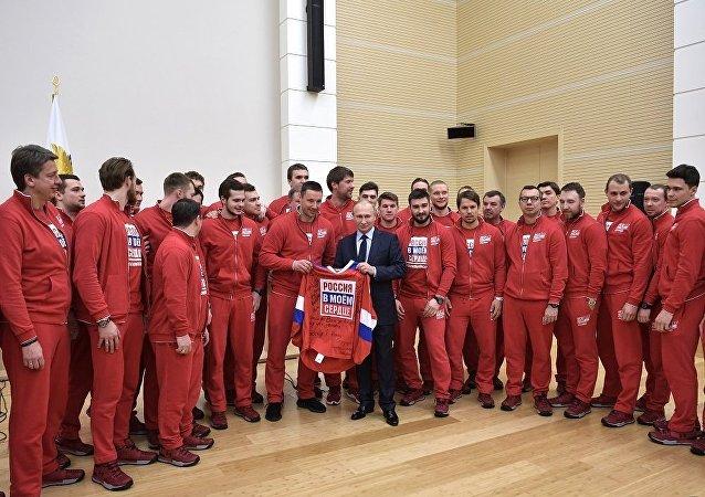 普京与俄奥运健儿的会面