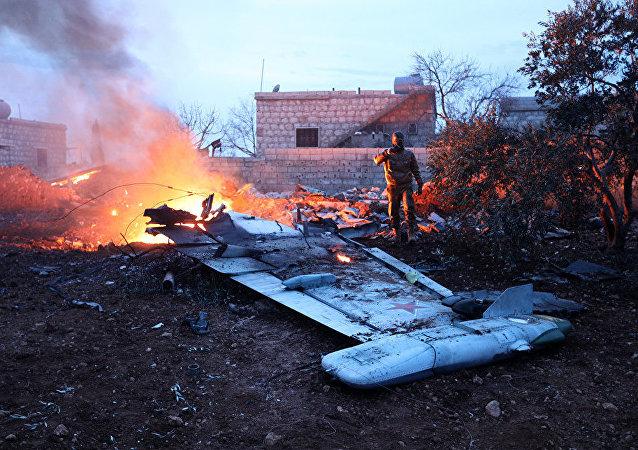 据俄国防部消息,俄军的一架苏-25飞机在叙利亚伊德利卜省被击落,飞行员丧生