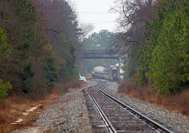 媒体:美国客运列车因接到沿错误方向行驶的口头许可而发生事故