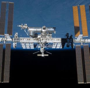 美国航空航天局:美国宇航员进入开放太空