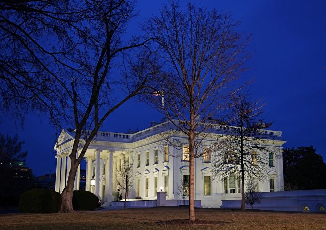 """白宫回应民主党""""通俄门""""调查备忘录称其有政治动机"""