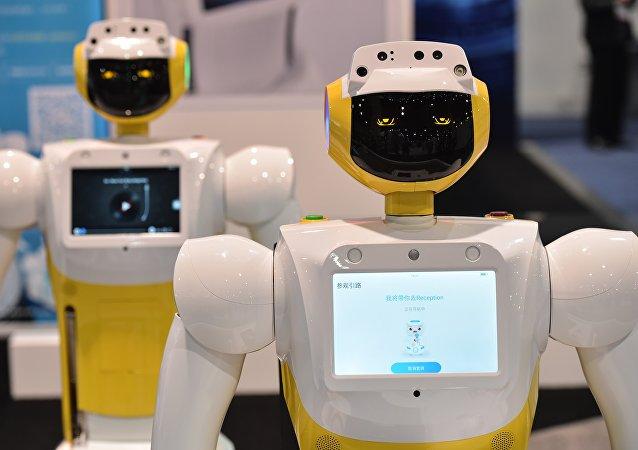 一台土耳其机器人因打断部长讲话而被重新进行编程设计