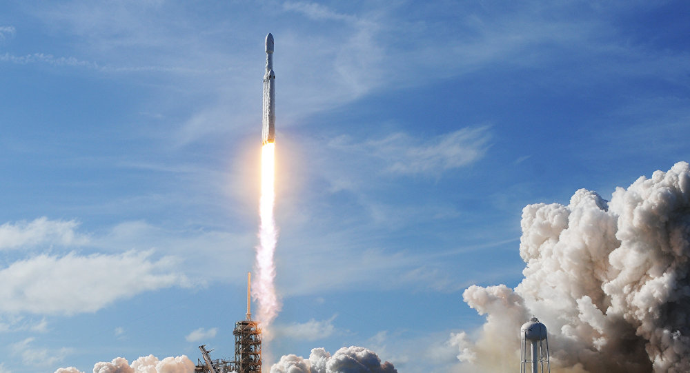 「獵鷹重型」運載火箭