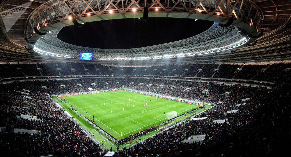 卢日尼基体育场,莫斯科