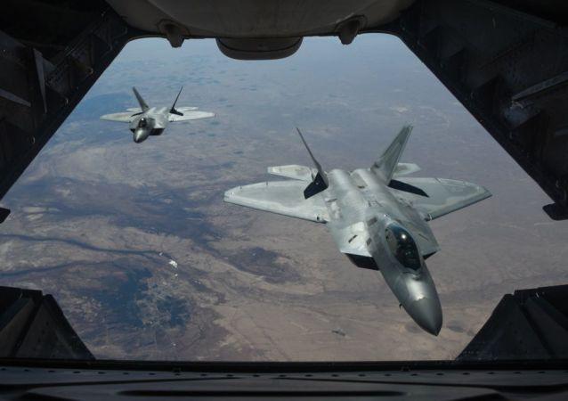 美國新式飛機F-22