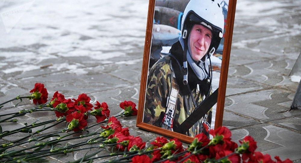 一名前美国军医决定帮助俄殉职军人菲利波夫