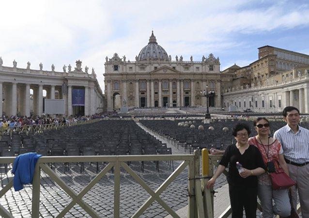 梵蒂冈为何对中国让步?