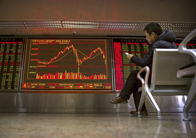 对中国明年经济增速预期下调主要源于贸易担忧