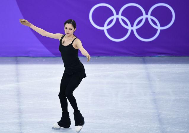 俄花滑女王梅娃平昌短节目刷新世界纪录