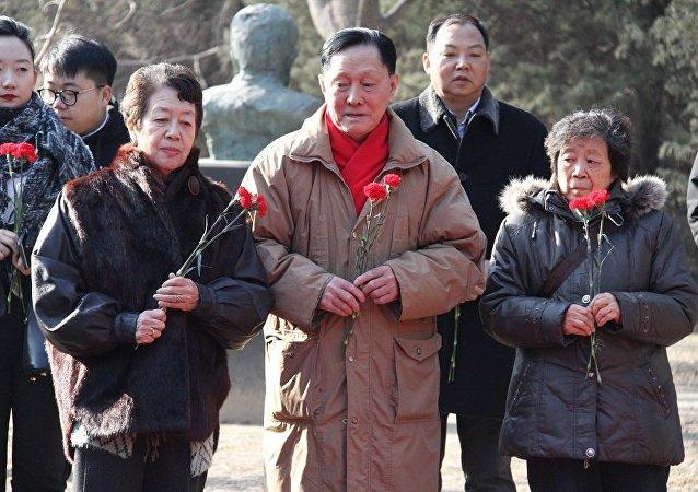 北京舉行俄羅斯海外履職人員紀念日悼念活動