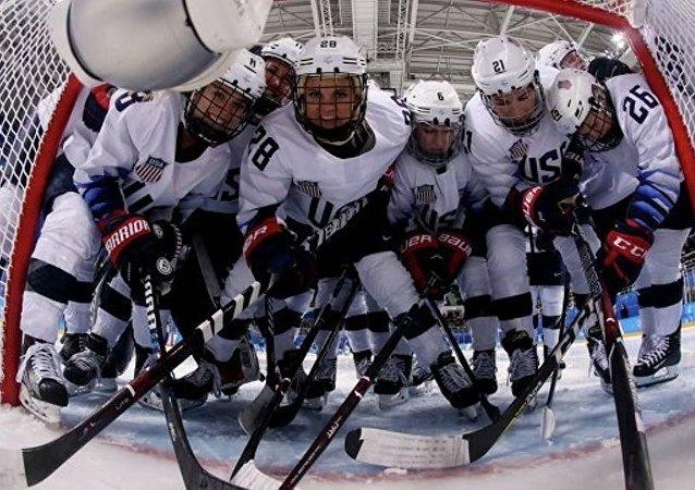 国际奥委会要求去掉美国女子冰球队门将头盔上所绘自由女神像