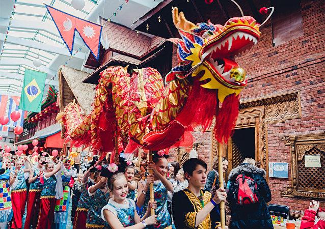"""莫斯科郊外""""民族世界""""公园博物馆举办中国农历新年节"""