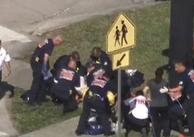 警方证实美佛罗里达州枪击案造成17人死亡