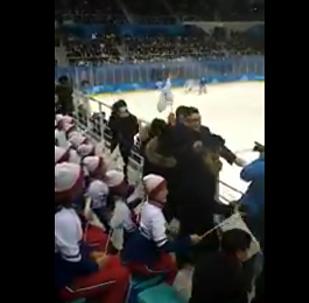 冒牌金正恩現身日韓女子冰球賽