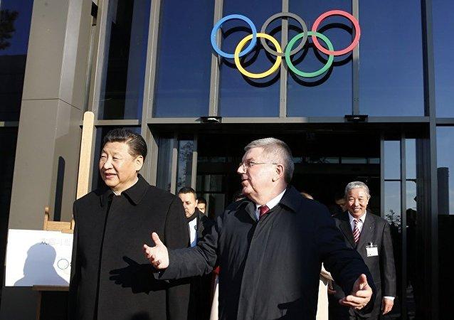 中国国家主席习近平和国际奥委会主席巴赫