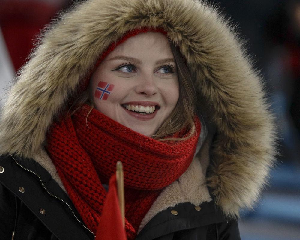 冬奥会上的挪威美女啦啦队员