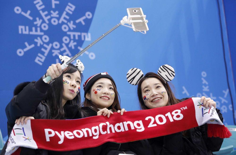 冬奧會上的日本美女啦啦隊員