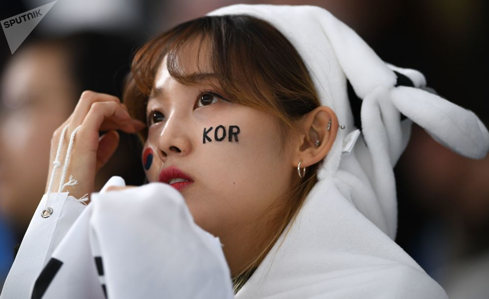 冬奥会上的韩国美女啦啦队员