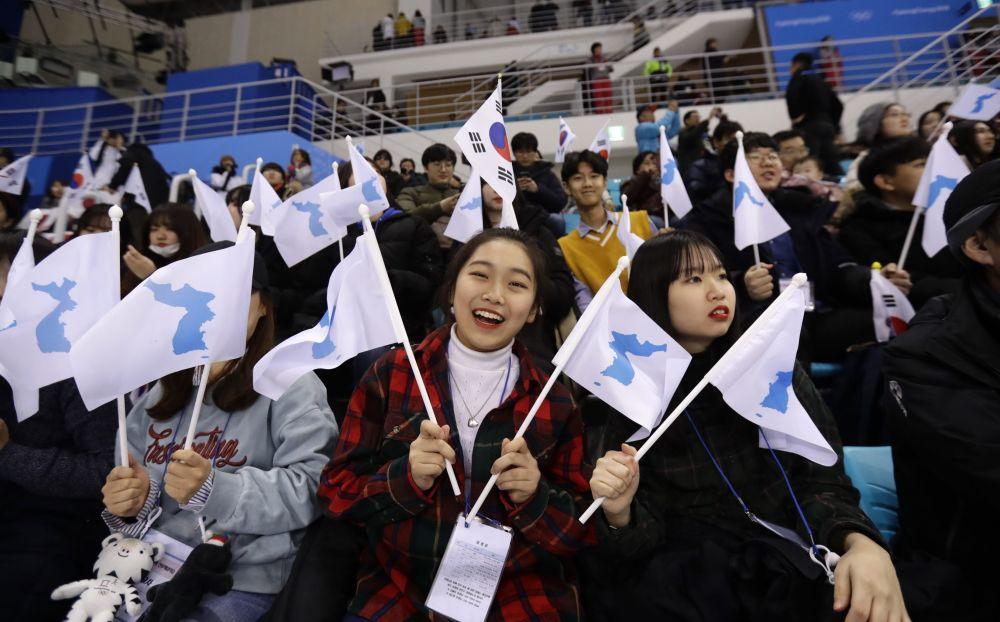 冬奧會上的韓國美女啦啦隊