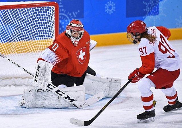 中国昆仑鸿星俱乐部首次亮相勇夺俄女子冰球联赛冠军