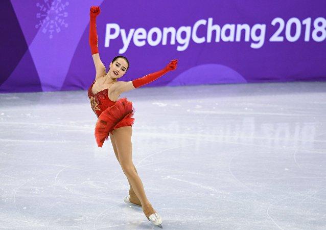 俄女子花样滑冰选手扎吉托娃被迫中断冬奥会赛场训练