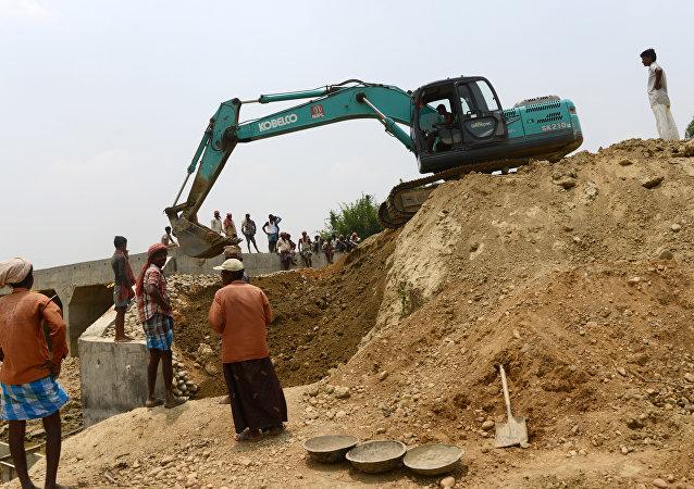 """尼泊尔和印度各为自己对华关系""""加油"""""""