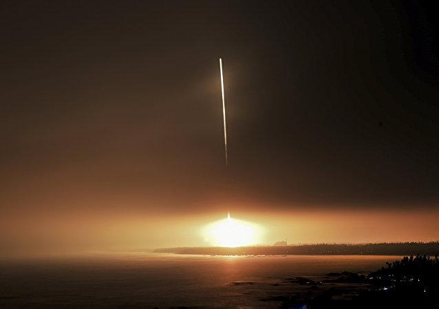 中国长征十一号运载火箭成功完成海上发射