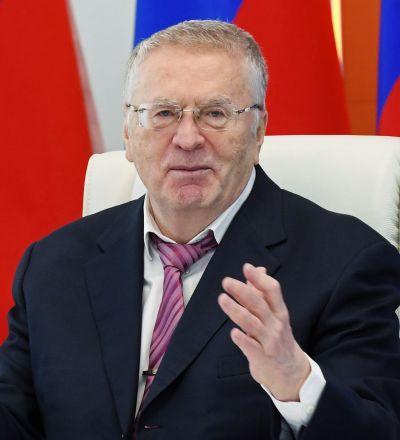 自由民主党候选人弗拉基米尔·日里诺夫斯基